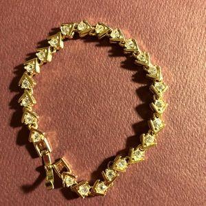 Jewelry - Vintage Sparkling Bracelet w/simulated diamonds